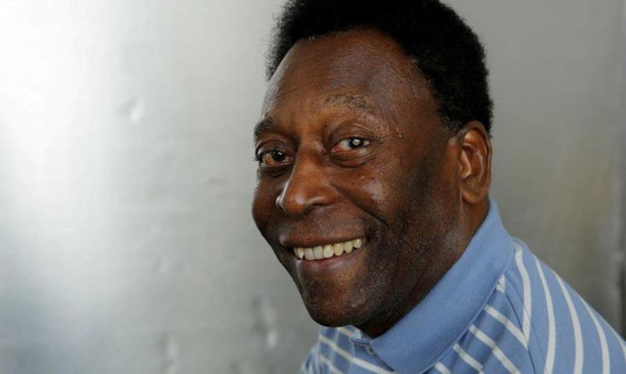 Imagem: Pele Internado para tratamento de câncer, Pelé piora e volta à UTI