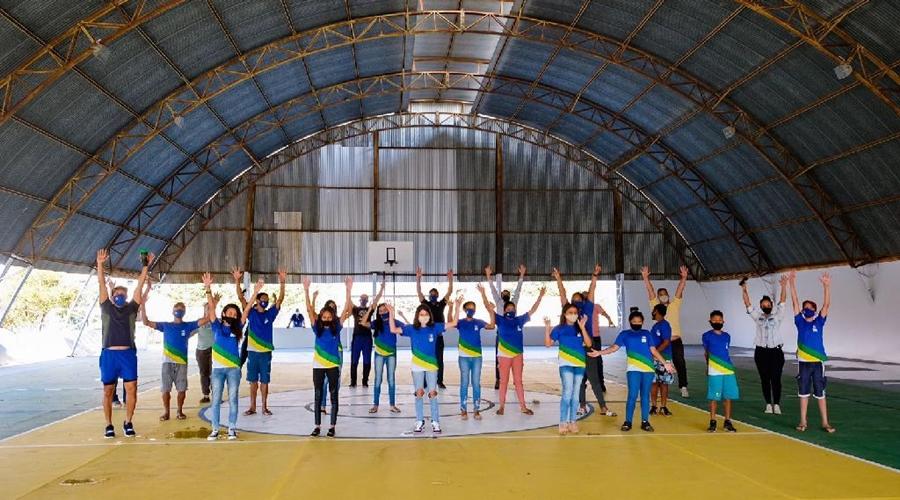 Imagem: QUADRA TODOS Seduc reinaugura quadra esportiva e lança projeto horta pedagógica