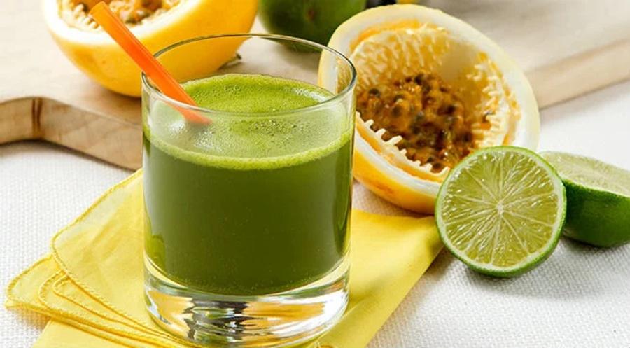 Imagem: Suco de maracuja e rucula Aprenda a fazer um delicioso suco antiestresse