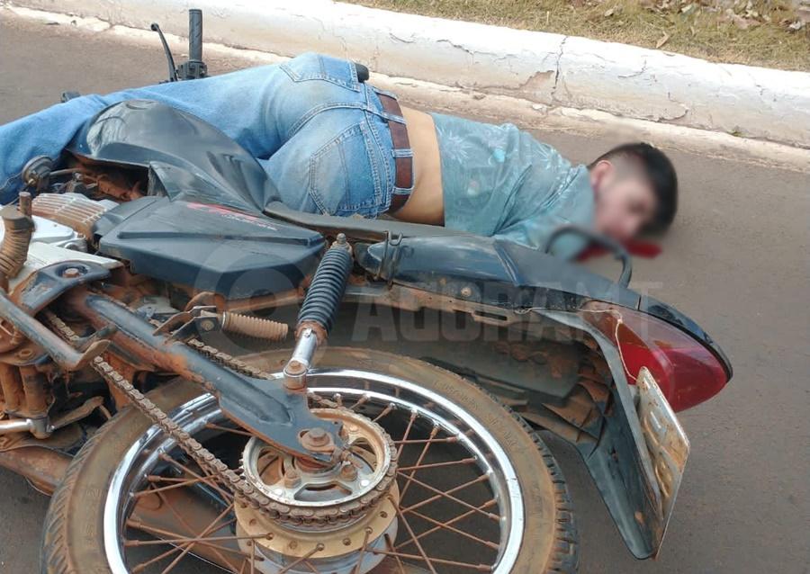 Imagem: acidente Tangara Motociclista tem traumatismo craniano após batida com ciclista