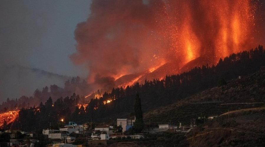 Imagem: erupcao vulcao canarias 20092021073350829 Lava de vulcão nas Ilhas Canárias destrói pelo menos 20 casas