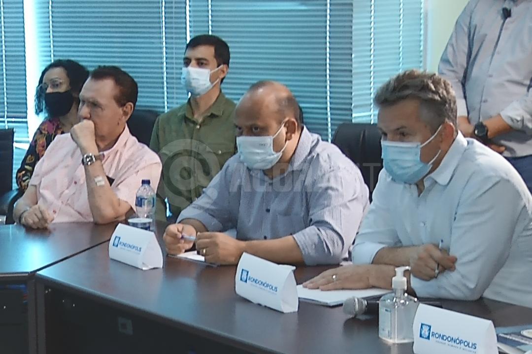 Imagem: governador prefeitura Governador fala sobre cirurgias e anuncia R$ 61 milhões para obras nos distritos industriais