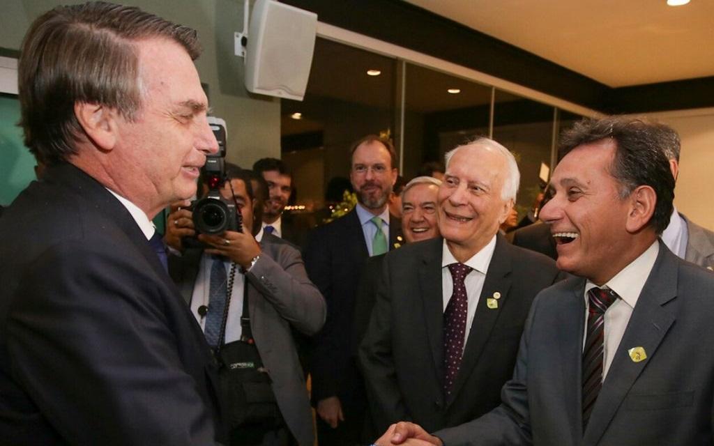 """Imagem: leitao e bolsonaro """"Flertando"""" com Bolsonaro, Leitão é ausência em evento tucano"""