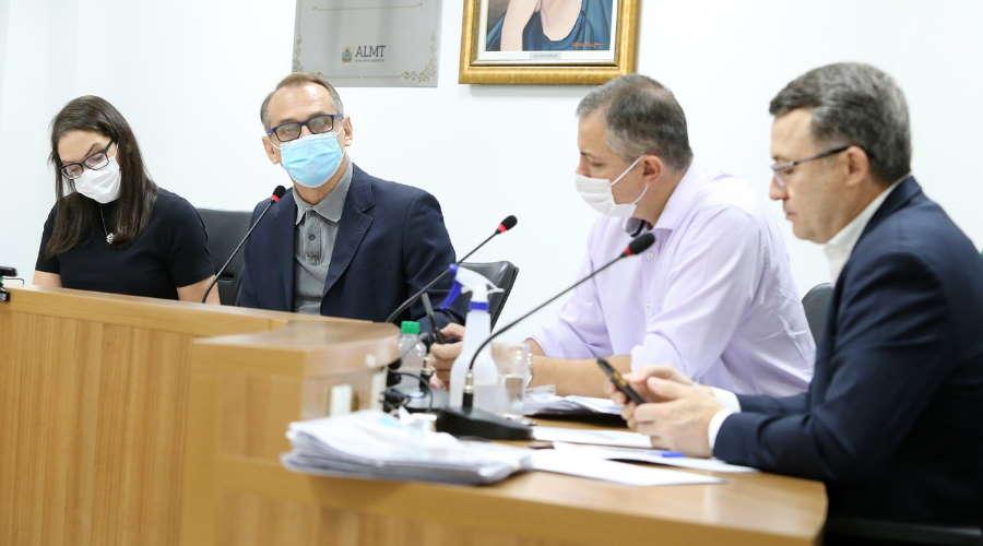 Imagem: reuniao ccj almt CCJ aprova entrega de medicamentos com canabidiol pelo SUS