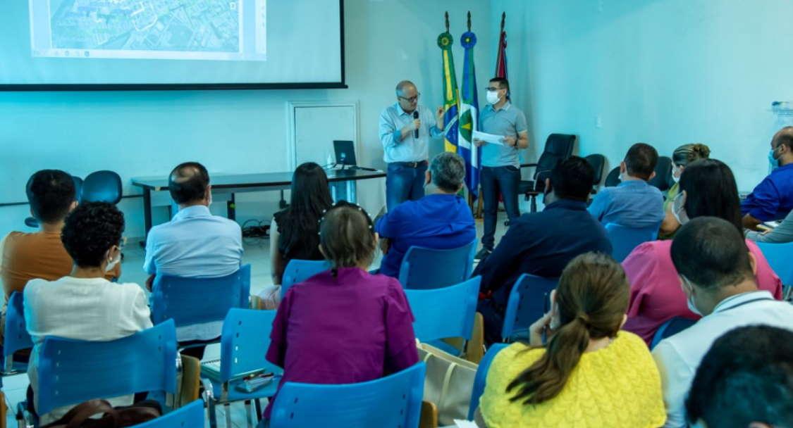 Imagem: reuniao ze prefeitura Prefeito reúne equipe para definir mutirão na região do Parque Universitário