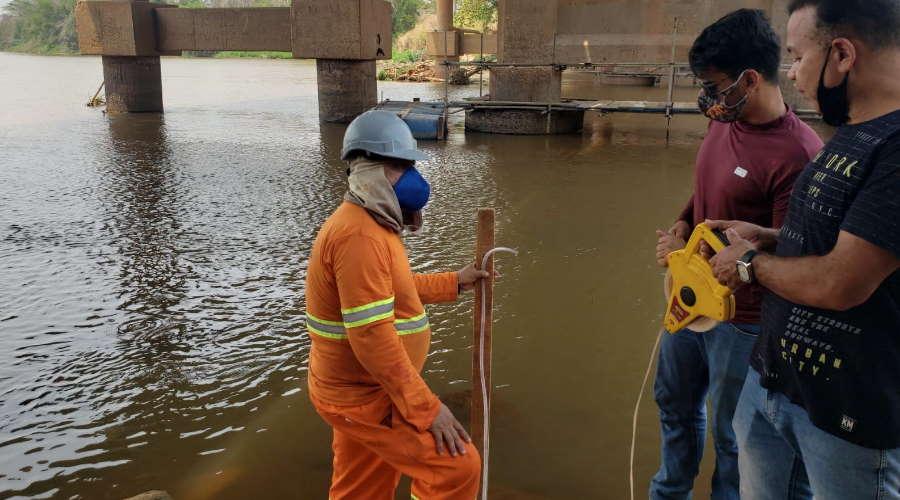 Imagem: riovermelho Nível do Rio Vermelho cai a um metro, Defesa Civil pede que população economize água