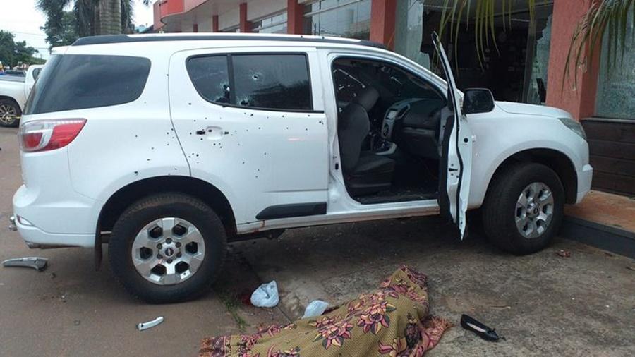 Imagem: carro Duas brasileiras são executadas em chacina na fronteira com Paraguai