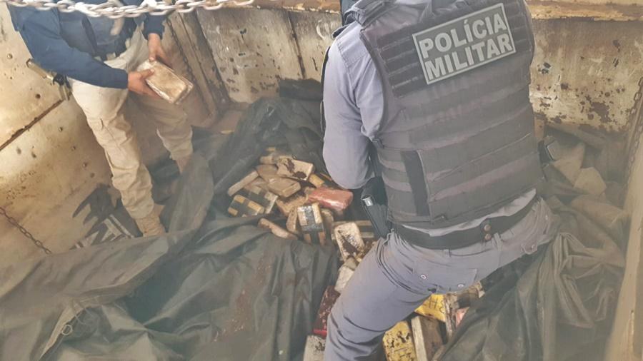 Imagem: droga PM PRF Em ação conjunta, PM e PRF apreendem mais de 160kg de cocaína